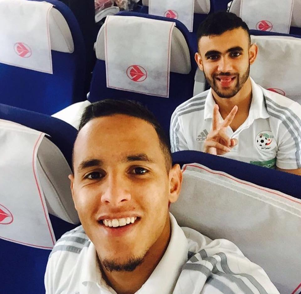 Zeffane et Ghezzal dans l'avion Air Algérie en direction de la Tanzanie