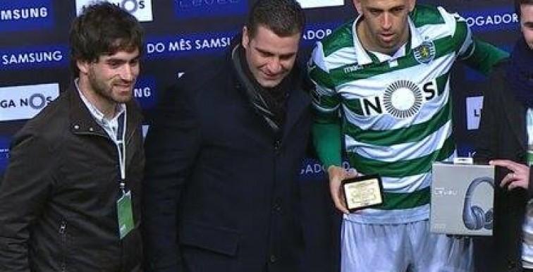 Sporting CP : Slimani reçoit son titre de meilleur joueur