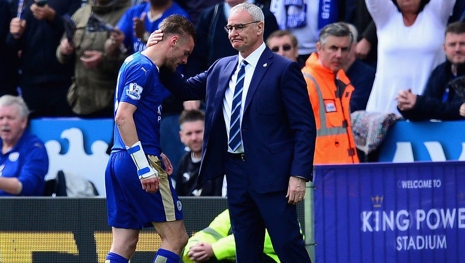 LEICESTER, ENGLAND - APRIL 17:  Jamie Vardy of Leicester City walks off after being sent off by referee Jonathan Moss during the Barclays Premier League match between Leicester City and West Ham United at The King Power Stadium on April 17, 2016 in Leicester, England.  (Photo by Dan Mullan/Getty Images)