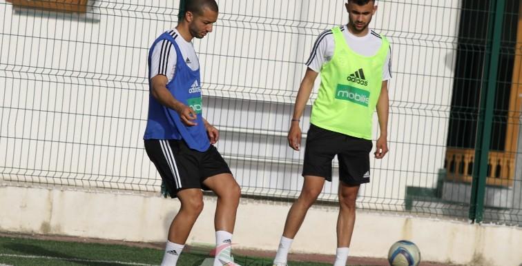 EN : Hanni a rejoint le groupe à Sidi Moussa