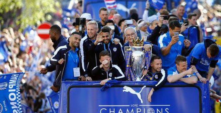 Angleterre : parade en bus et liesse à Leicester !