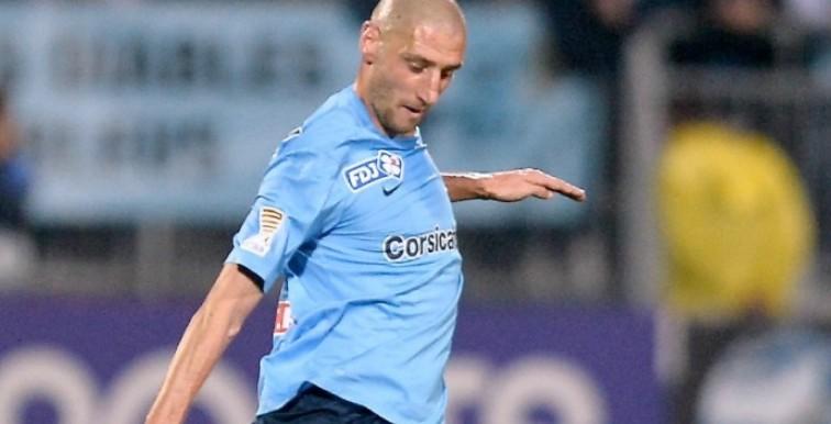 Mercato : Agouazi enrôlé par Niort (Ligue 2)