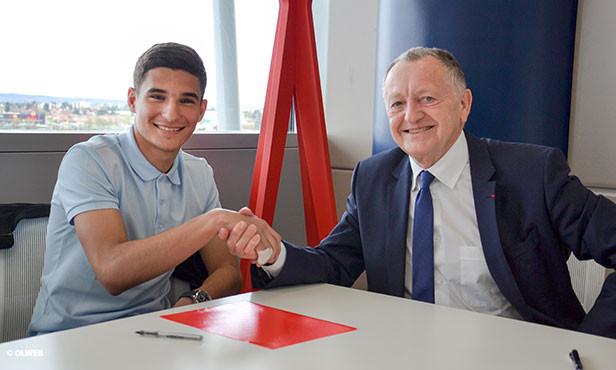 OL : le jeune espoir Houssam Aouar passe pro