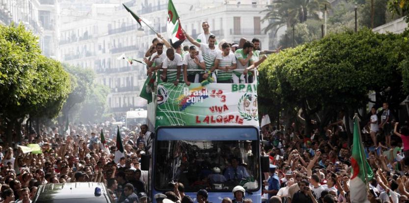 retour alger CM 2014-algerie-les-fennecs-accueillis-en-heros