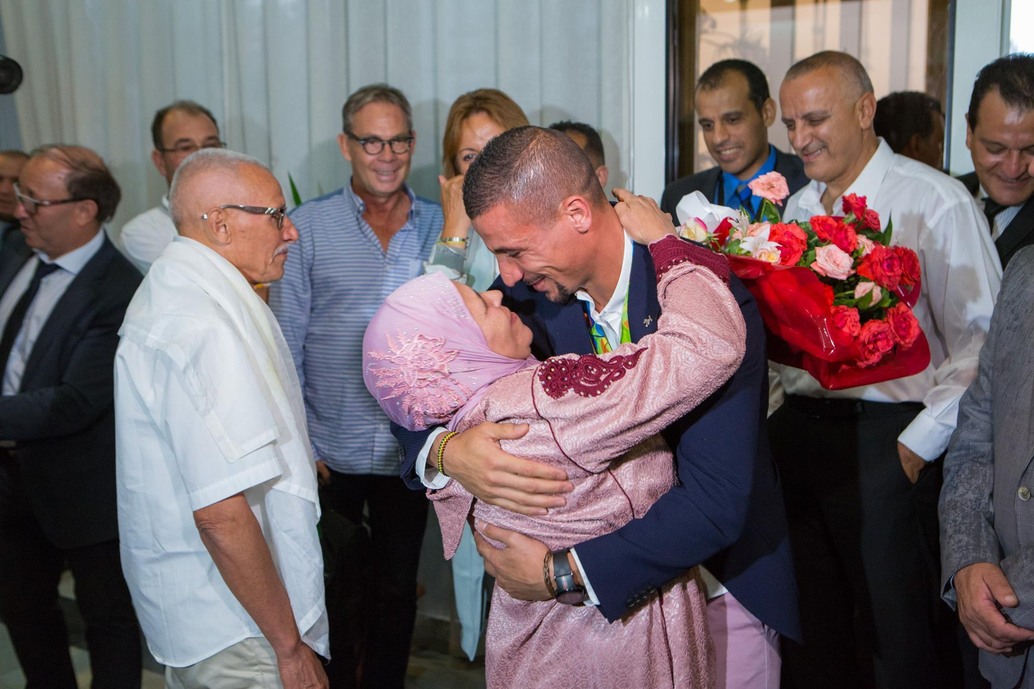 Retour triomphal Makhloufi a Alger 3