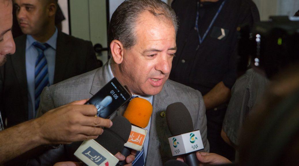 Retour triomphal Makhloufi a Alger ministre Ould Ali
