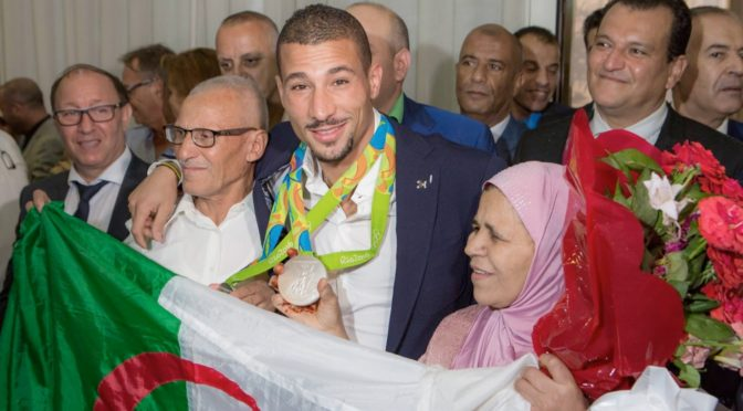 JO: Accueil chaleureux pour Makhloufi à Alger !