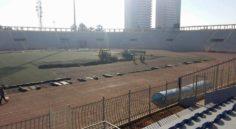 Pose d'une nouvelle pelouse au stade Zabana d'Oran