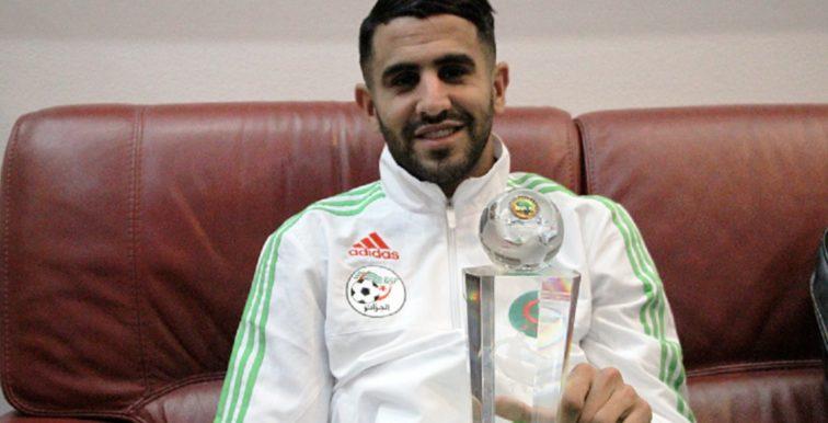 Mahrez de retour à Alger avec son trophée
