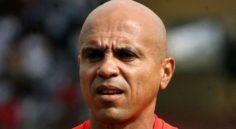 ALG-TUN : l'arbitre seychellois Bernard Camille au sifflet
