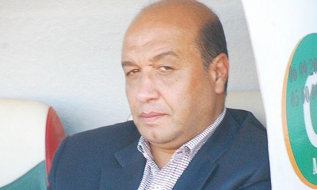 JSK: le coach tunisien Hidoussi limogé !