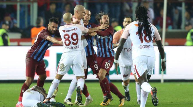 Turquie : Feghouli expulsé, première défaite pour Galatasaray