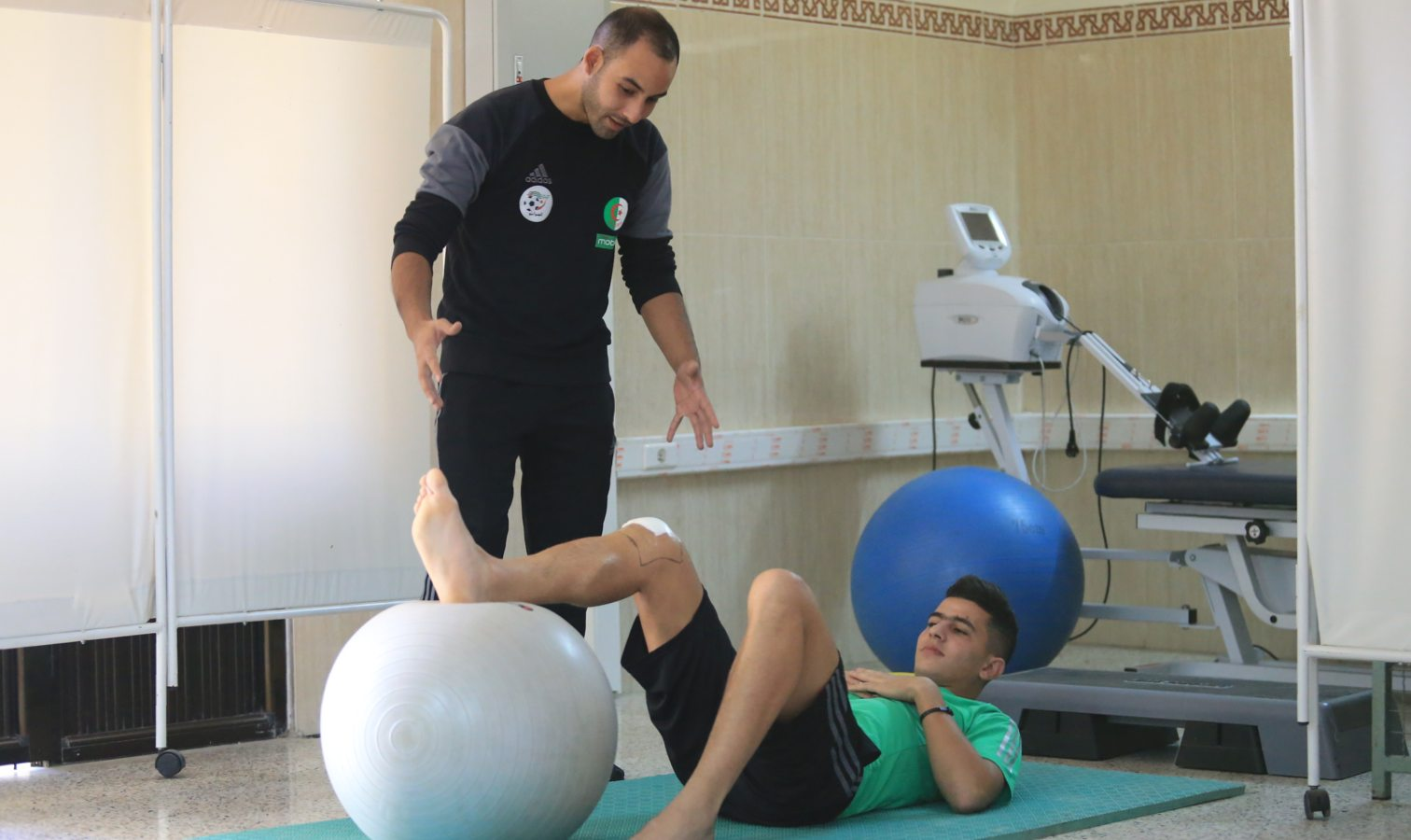 youcef attal reeducation soins