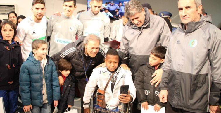 Des écoliers rendent visites aux Verts à Sidi Moussa (Vidéo)