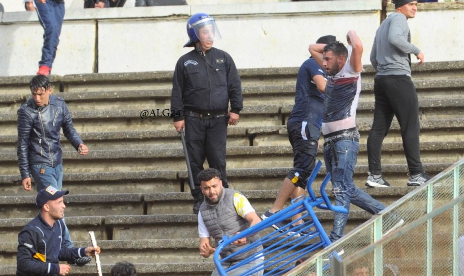 violences tribunes jsk mca supporters