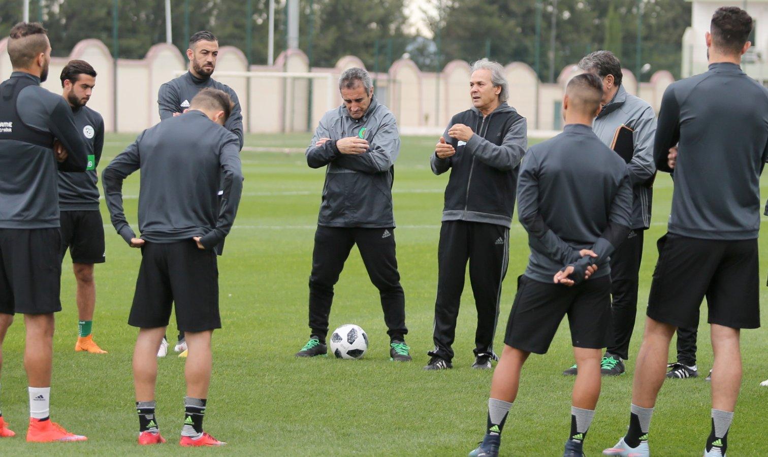 Des arbitres espagnols pour l'amical Arabie saoudite-Algérie A' mercredi à Cadix