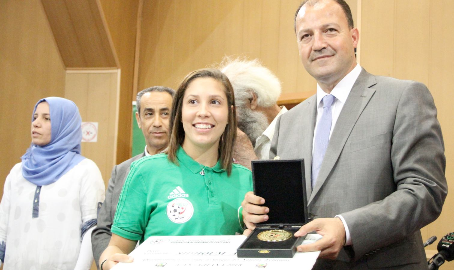 sidhoum assia hattab recompense ceremonie selection feminine