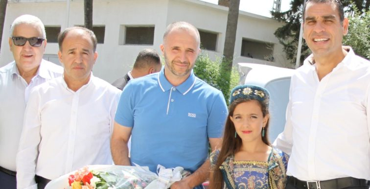 Photos : signature de contrat et présentation de Djamel Belmadi