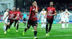 Ligue 1 : L'USM Alger et le CS Constantine remportent leur derby