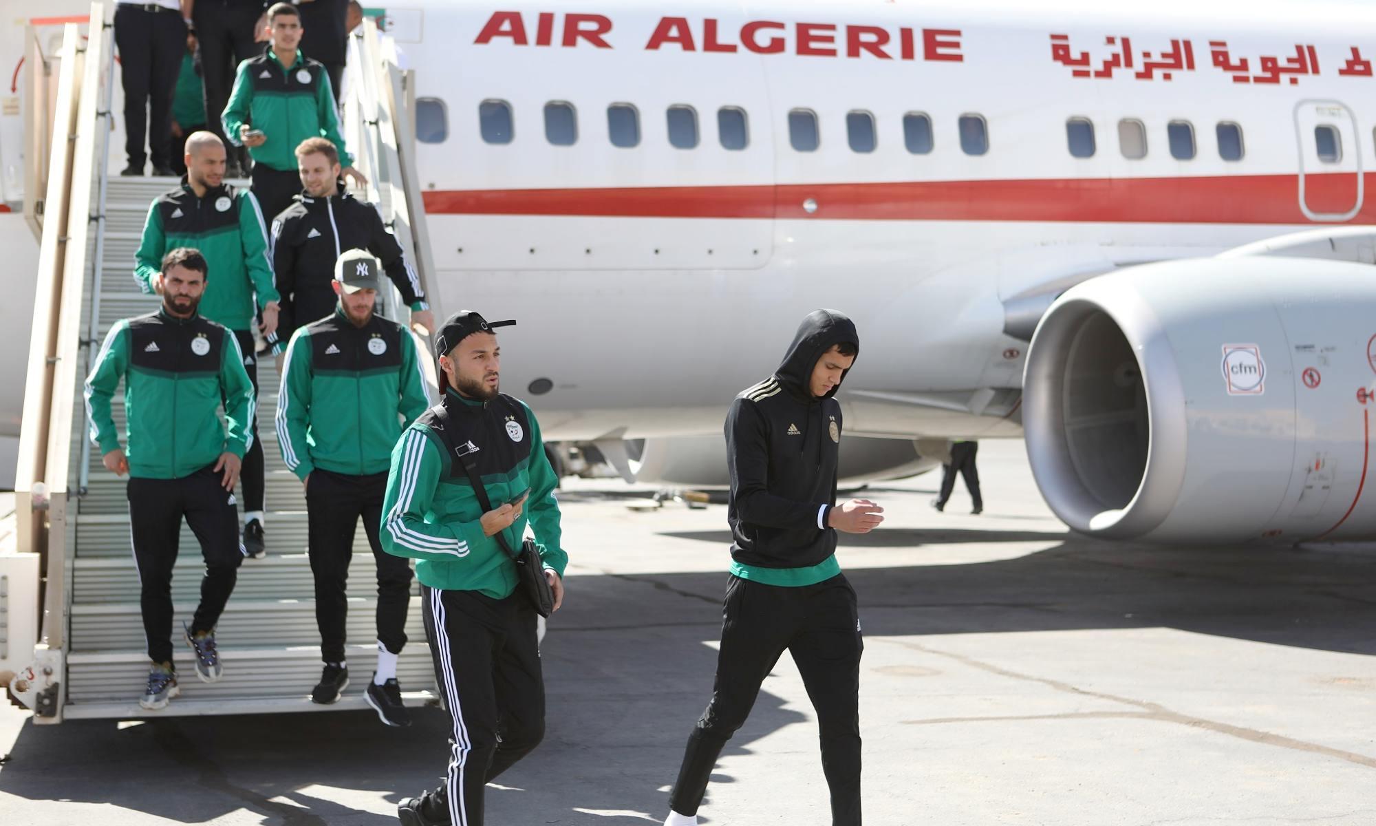 belkebla descente avion air algerie arrivee voyage en aeroport