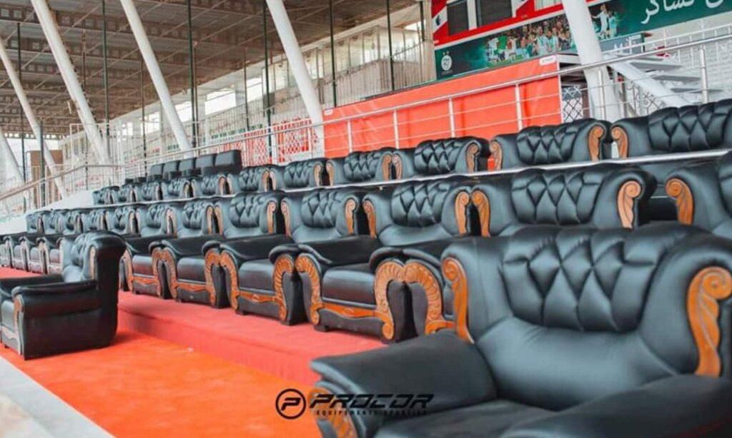 fauteuils cuir stade tchaker renovation habillage blida