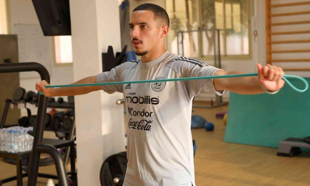 bennacer exercice solo entrainement en salle sidi moussa