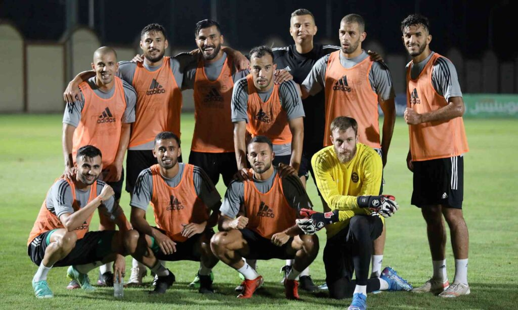 groupe solidaire verts unis fin entrainement feghouli ghezzal joie