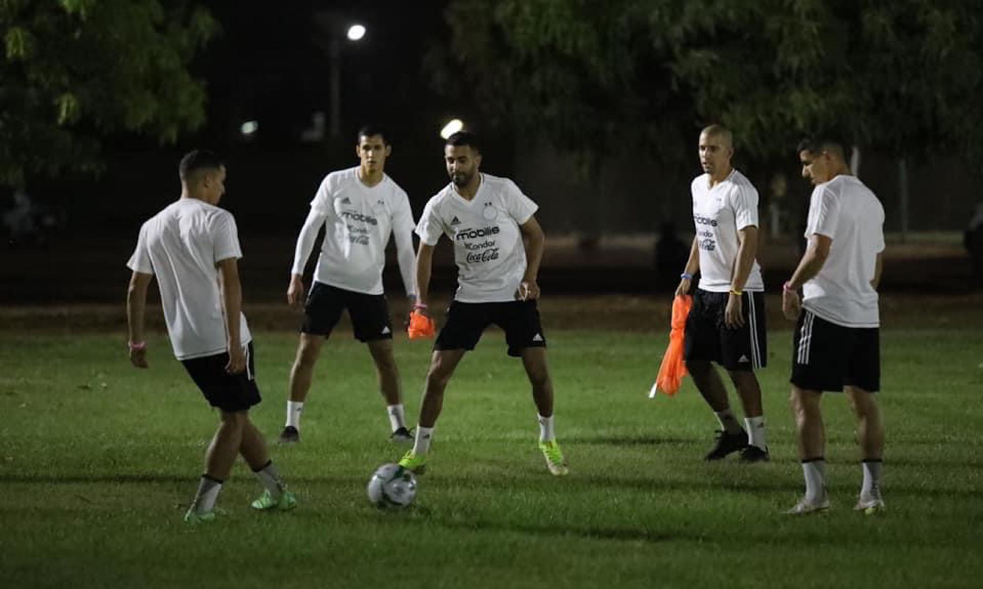 entraînement Niamey Atal Mahrez Feghouli Bennacer